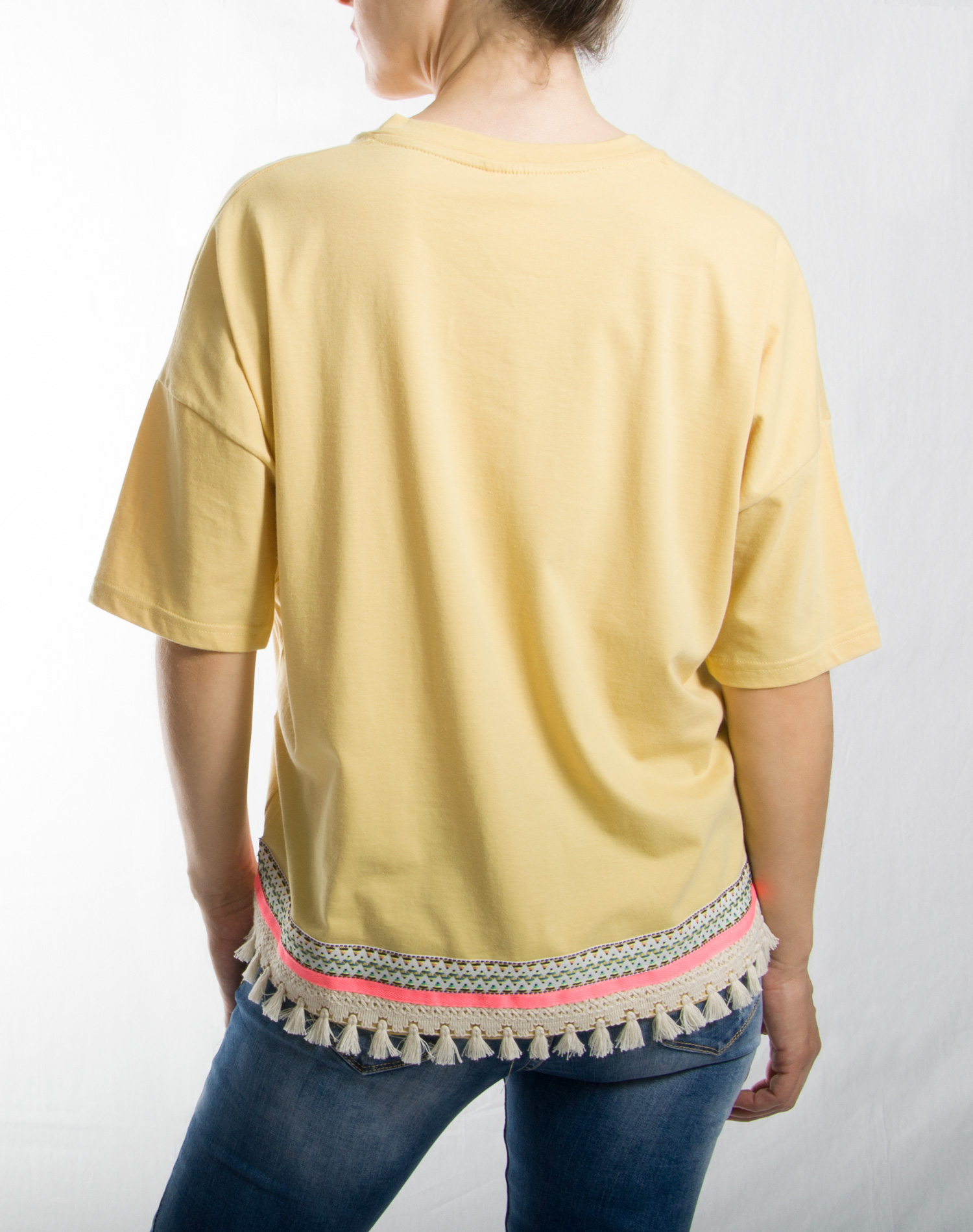 Μπλούζα με φουντίτσες