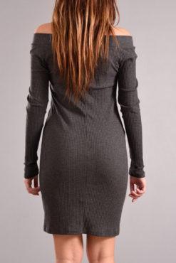 Φόρεμα με ανοιχτή λαιμόκοψη