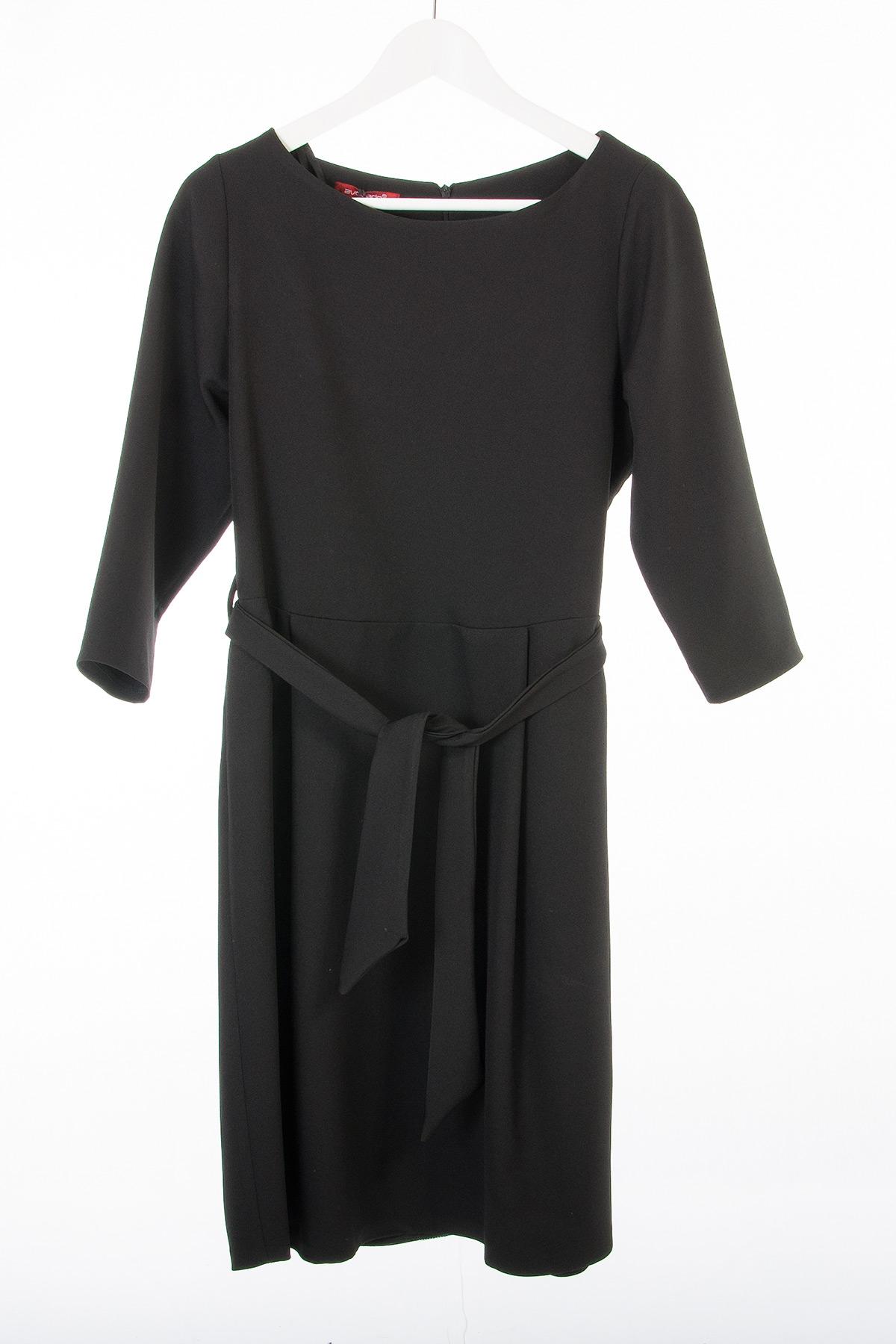 Φόρεμα με ζωνάκι