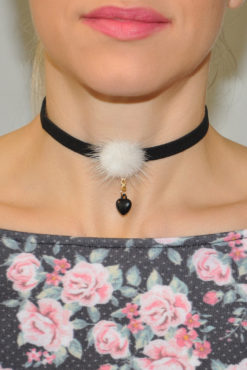 Choker με φουντίτσα και καρδιά
