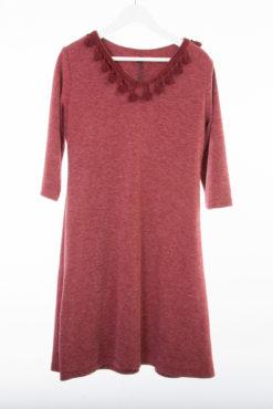 Φόρεμα με V και φουντάκια