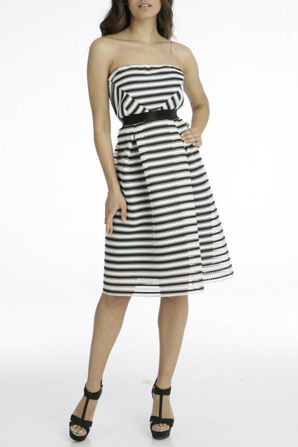 Φόρεμα με δαντέλα ριγέ στράπλες