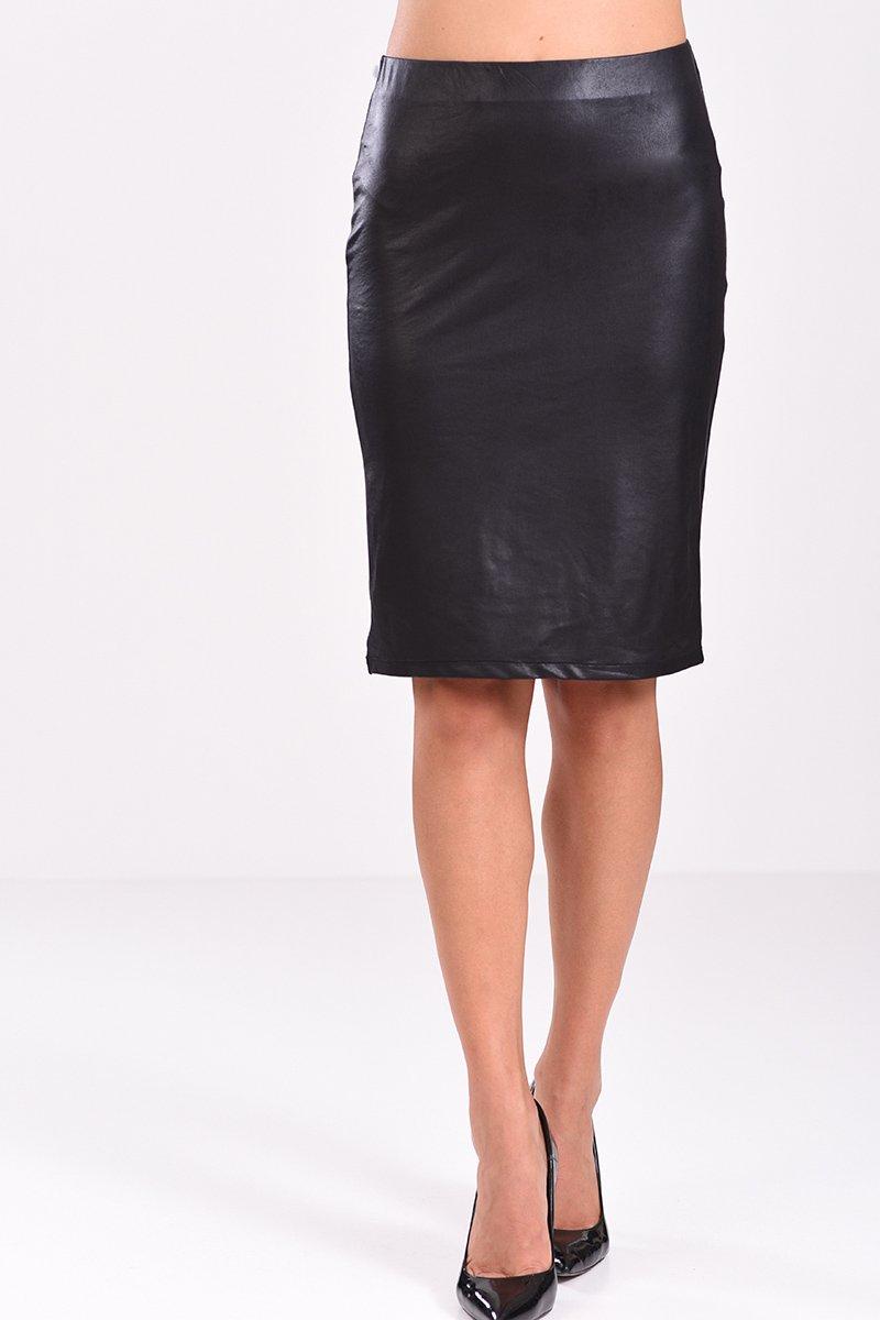 Μίντι φούστα από δερματίνη σε μαύρο χρώμα