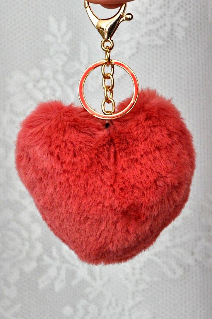 Faux γούνινο μπρελόκ με εκάι φούντα σε σχήμα καρδιάς