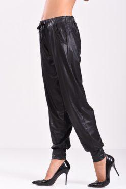 Παντελόνι σαλβάρι μαύρο σε ύφασμα δερματίνη