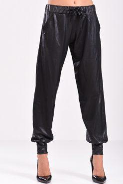 Παντελόνι σαλβάρι μαύρο δερματίνη - κοντινή όψη