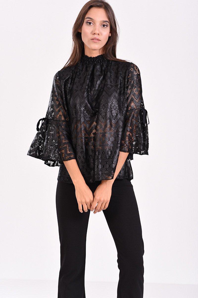 f8912a0dd76a Γυναικεία μπλούζα από δαντέλα με 3 4 μανίκι και λάστιχο στον λαιμό