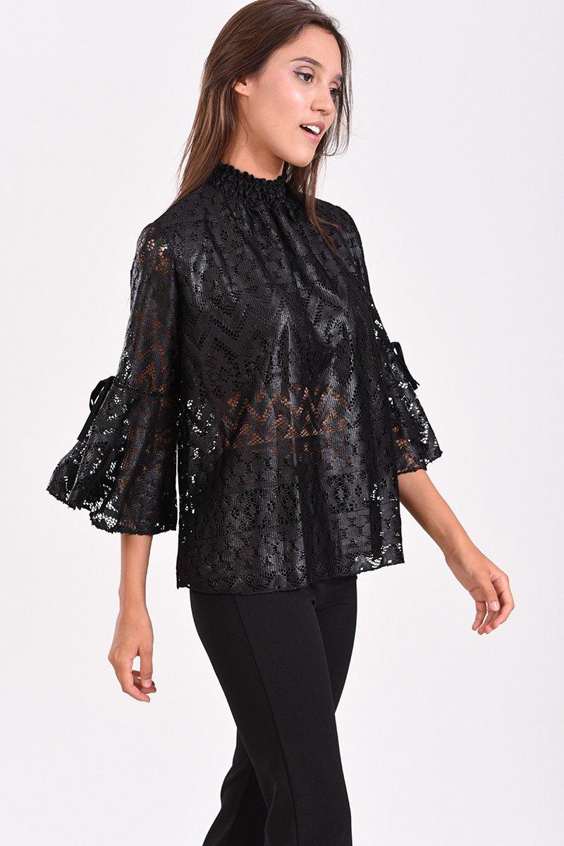 Γυναικεία μπλούζα από δαντέλα με 3 4 μανίκι και λάστιχο στον λαιμό 1bb053c663f