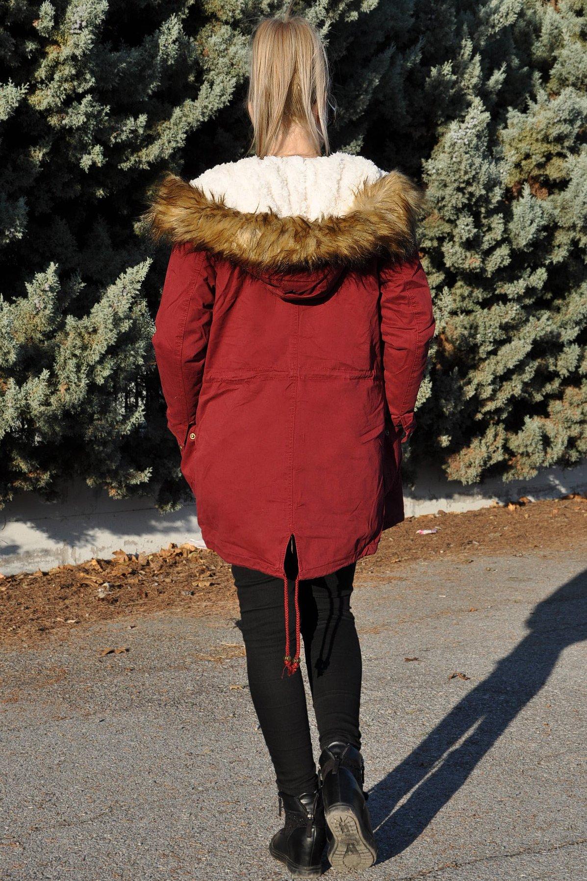 Γυναικείο μπουφάν παρκά με γούνινη κουκούλα σε μπορντό χρώμα d7acafd3bb8
