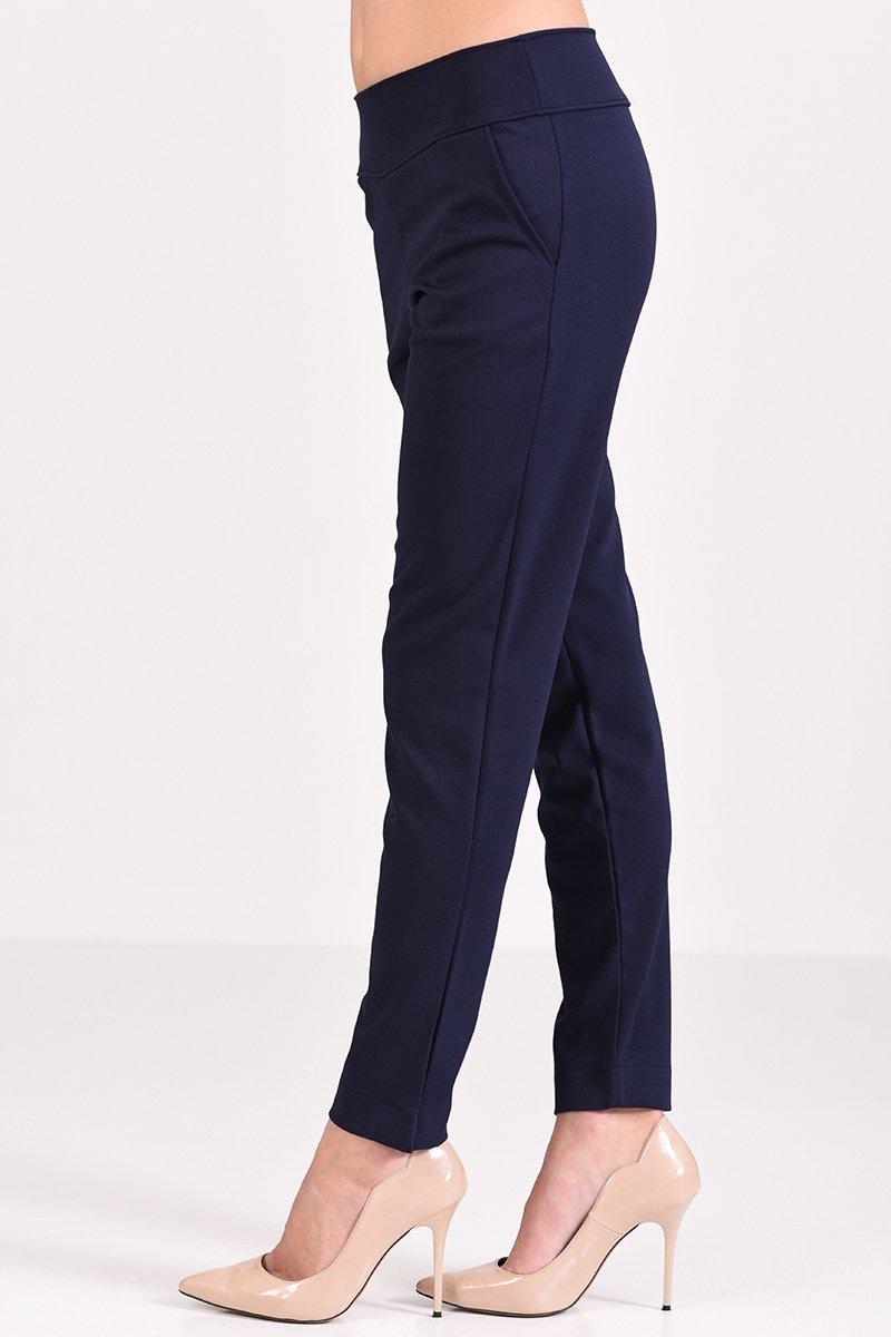 c2c91cedaeab Γυναικείο μπλε παντελόνι σε ίσια γραμμή με μήκος μέχρι τον αστράγαλο
