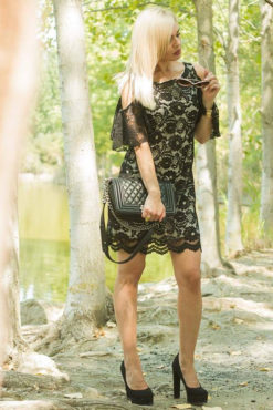 Φόρεμα αμάνικο από δαντέλα με ανοιχτούς ώμους μαύρο