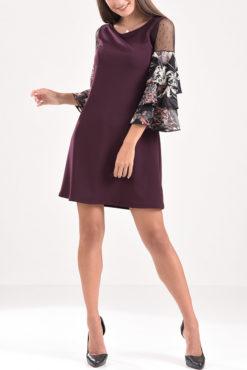 Κοντό φόρεμα με βολάν και διαφάνεια στα μανίκια σε μπορντό χρώμα