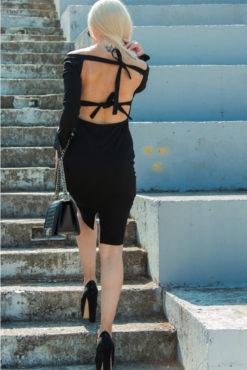 Φόρεμα pencil με ανοιχτή πλάτη μαύρο