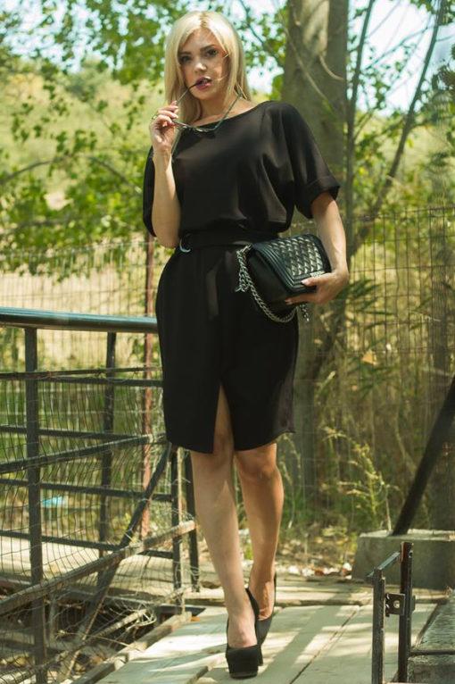 Φόρεμα σάκος με ζωνάκι στη μέση μαύρο