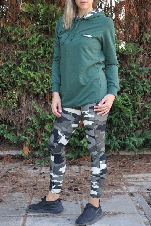 Μπλούζα φούτερ με εμπριμέ κουκούλα και κοψίματα σε κυπαρισσί χρώμα