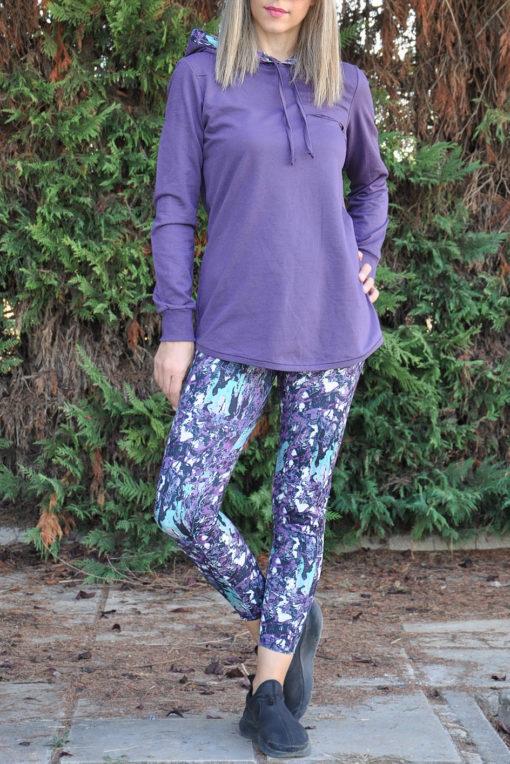 Μπλούζα φούτερ με εμπριμέ κουκούλα και κοψίματα σε μωβ χρώμα