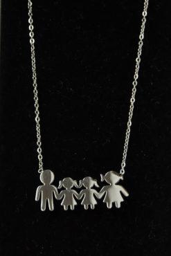 Κολιέ οικογένεια ατσάλινο με μαμά, μπαμπά και 2 κόρες σε λευκή απόχρωση
