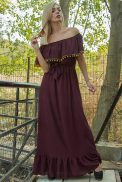 Μάξι στράπλες φόρεμα με βολάν και πομ πομ σε βουργουνδί