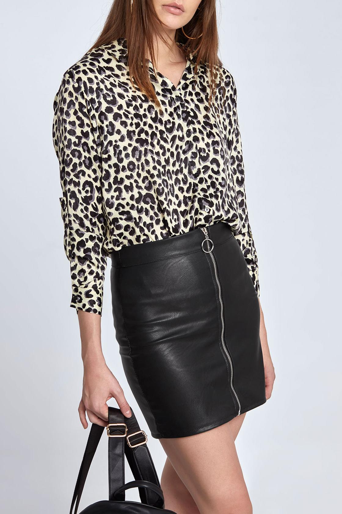 Μίνι φούστα από δερματίνη με φερμουάρ μπροστά μαύρη d223cded360