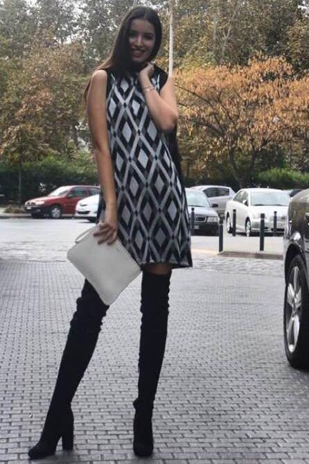 Φόρεμα αμάνικο κοντό σε ίσια γραμμή ασπρόμαυρο