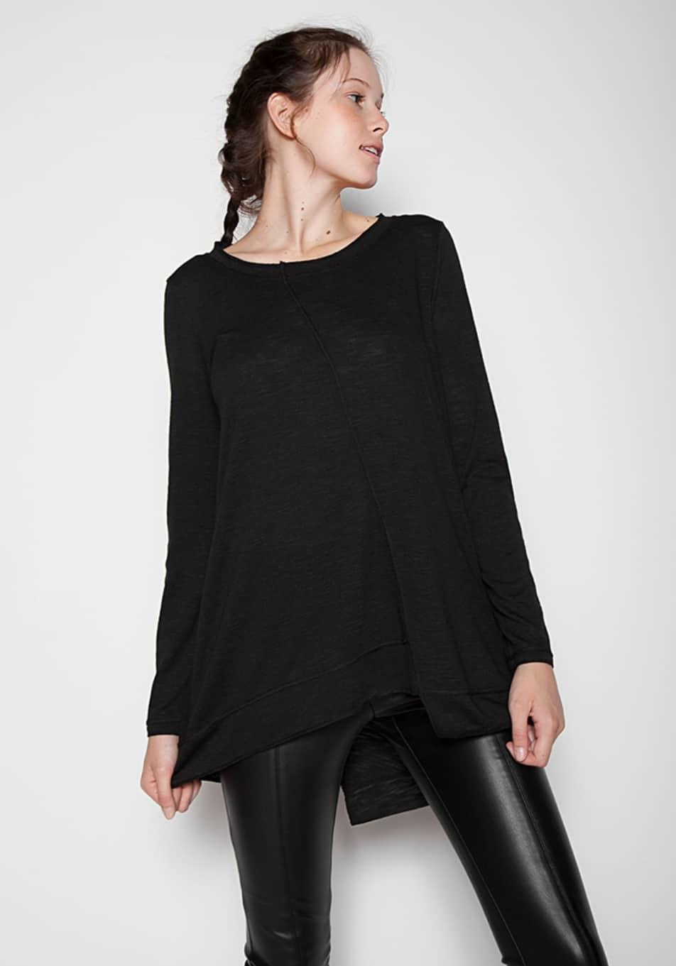Γυναικεία μπλούζα ασύμμετρη με τρουακάρ μανίκι 8a73047cf95