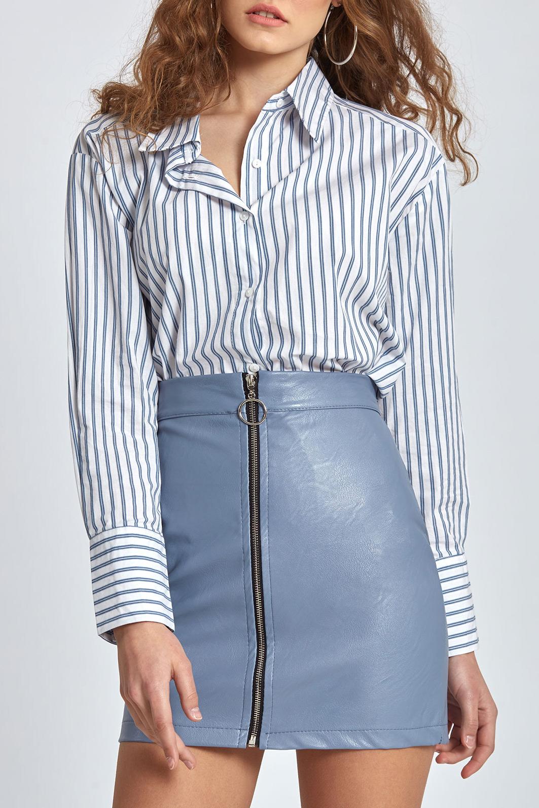 Μίνι φούστα από δερματίνη με φερμουάρ μπροστά σε σιέλ χρώμα c41f4ad6b1f