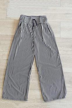 Ψηλόμεση παντελόνα ριγέ (άσπρο-μαύρο)