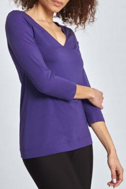 Μπλούζα με V λαιμόκοψη και απαλή υφή μωβ