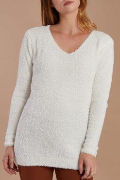 Χνουδωτό μακρύ πουλόβερ λευκό
