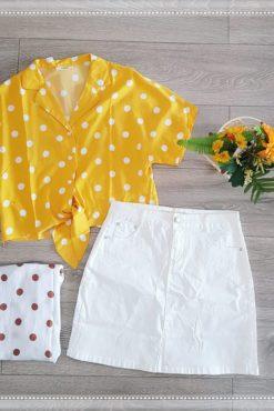 Πουκάμισο πουά με δέσιμο + φούστα μίνι λευκή