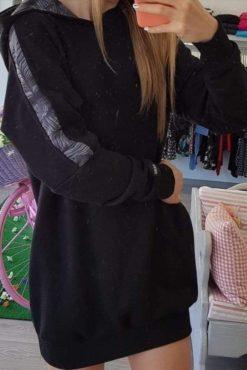 Μπλούζα φούτερ με κουκούλα κι εμπριμέ ρίγα μαύρη